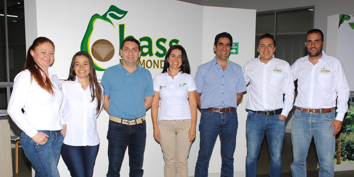 APHIS-USDA, ICA and CORPOHASS visited our plant.
